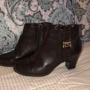Covington brown merlo bootie boots  size 6 M